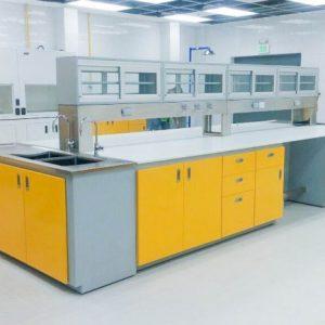 Mesa laboratorio en isla